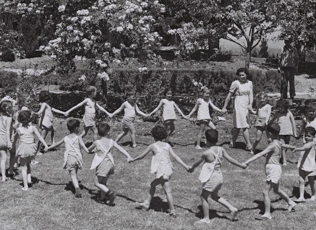 children-dancing-kibbutz-ginegar
